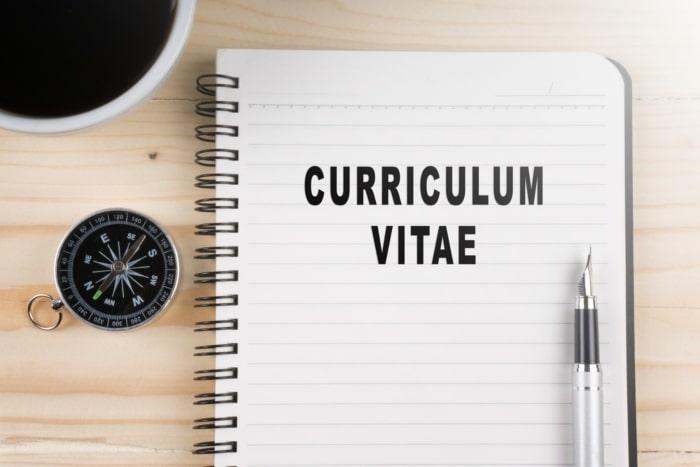 espacios en blanco en el currículum vitae